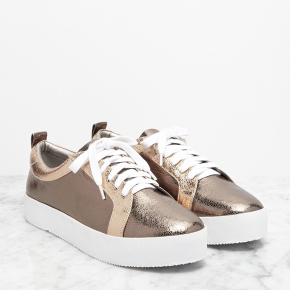 b365da774618 Forever 21 Rose Gold Metallic Flatform Sneakers